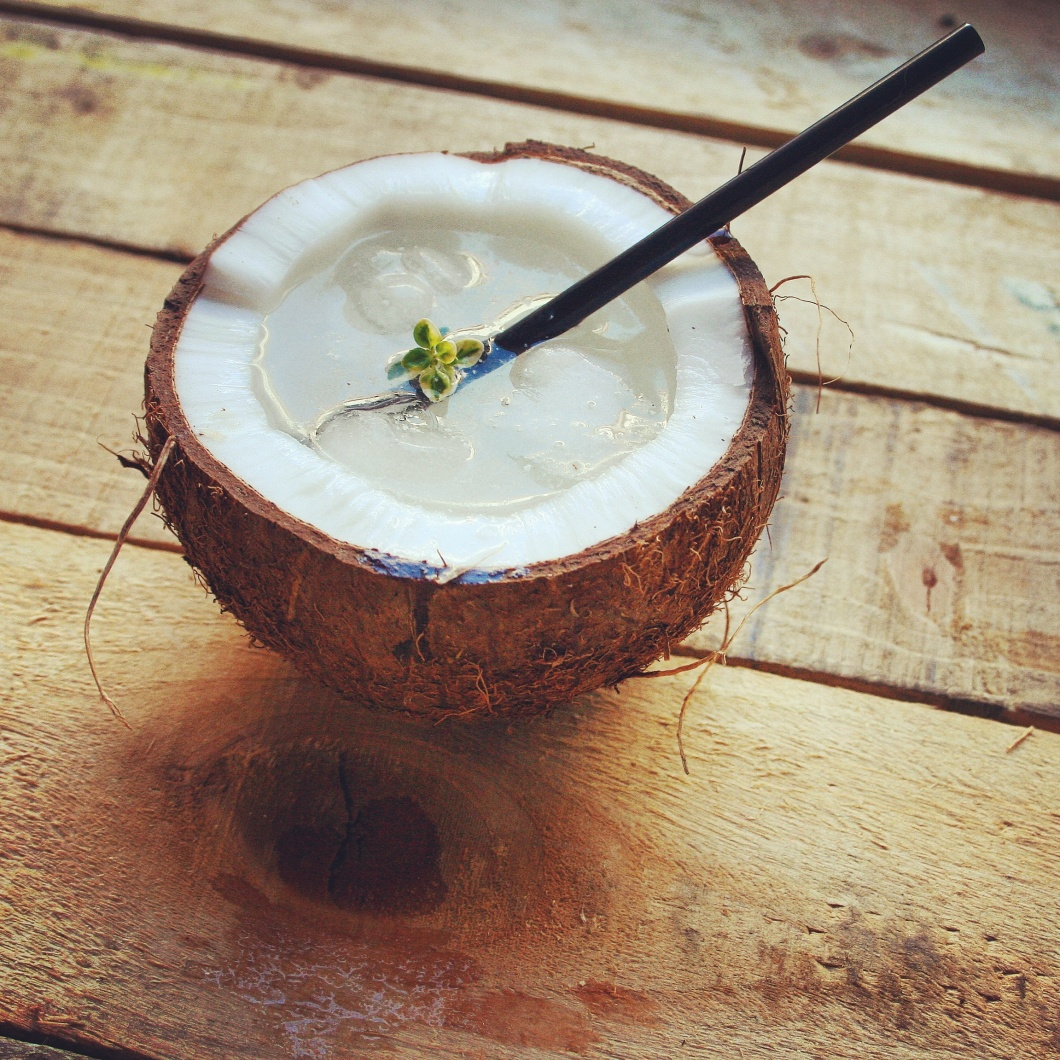 Agua alegre de coco