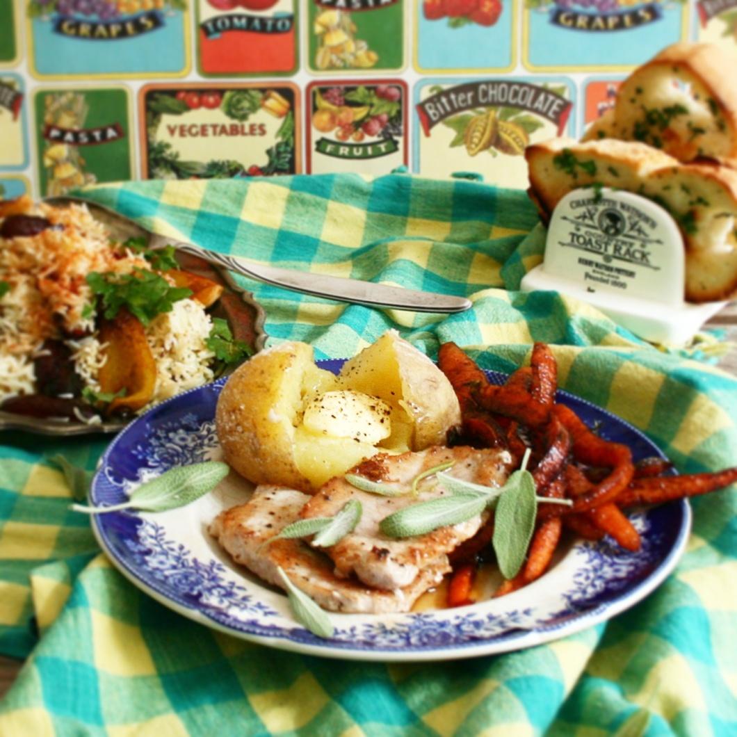 Lomo, patatas, zanahorias con vinagre y arroz especiado - Reyes Mitter